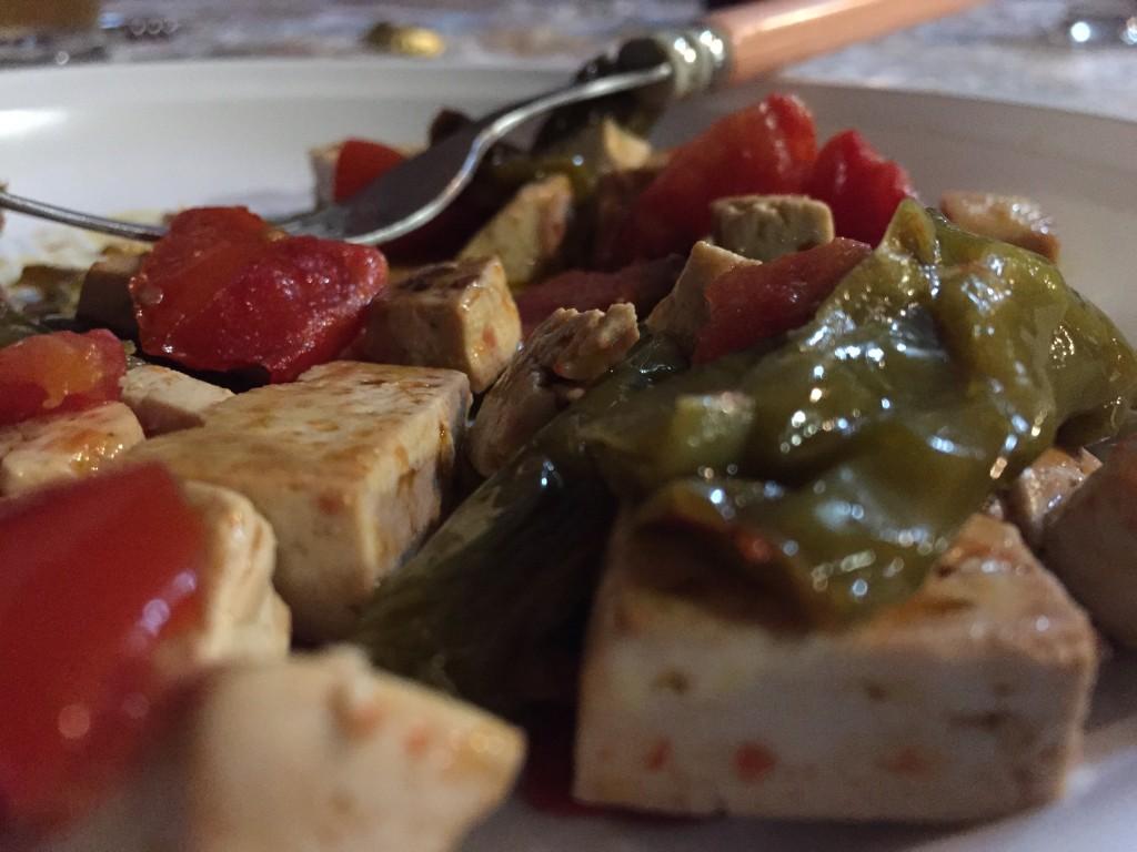 ricetta: tofu e friggitelli al pomodoro