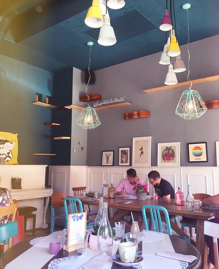 Romeow cat bistrot ristorante vegano a Ostiense