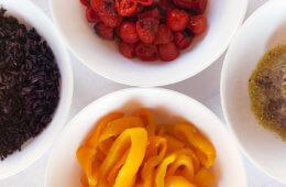Una ricetta estiva leggera e facile: la Buddha bowl vegan multicolor